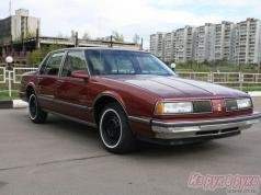 Продаю Oldsmobile Eighty-Eight