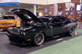 Тюнинг Dodge Challenger, карбоновая пленка
