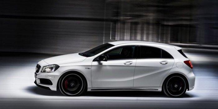Немецкие автомобилестроители представили свой новый проект Mercedes-Benz A45 AMG