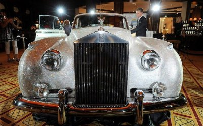 Rolls-Royce Silver Cloud тюнинг кристаллы от Swarovski
