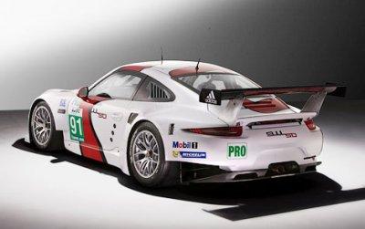 Новинка - гоночный автомобиль Porsche 911 RSR